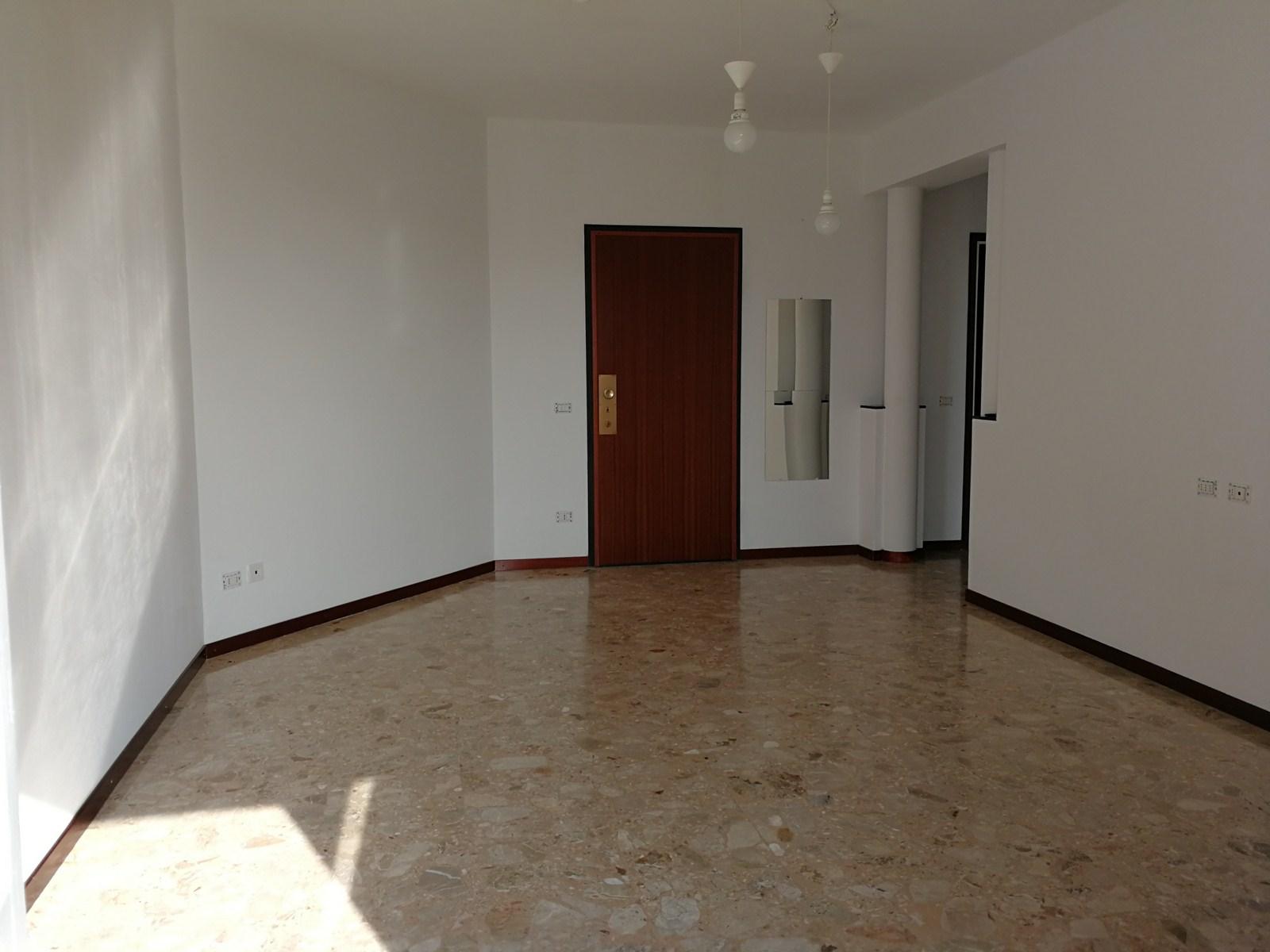 Appartamento in Vendita a Malgrate