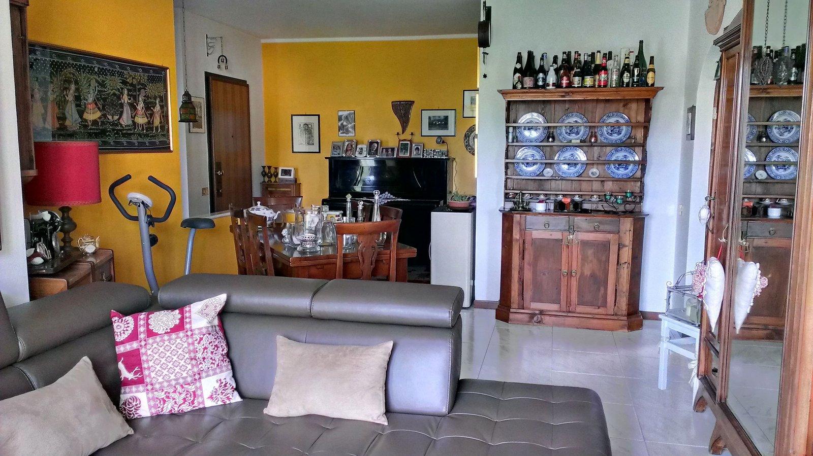 Appartamento in vendita a Civate, 3 locali, prezzo € 155.000 | CambioCasa.it