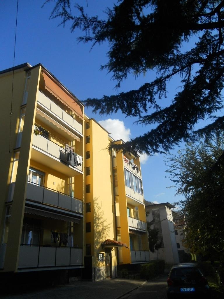 Appartamento in vendita a Lecco, 3 locali, prezzo € 133.000 | CambioCasa.it