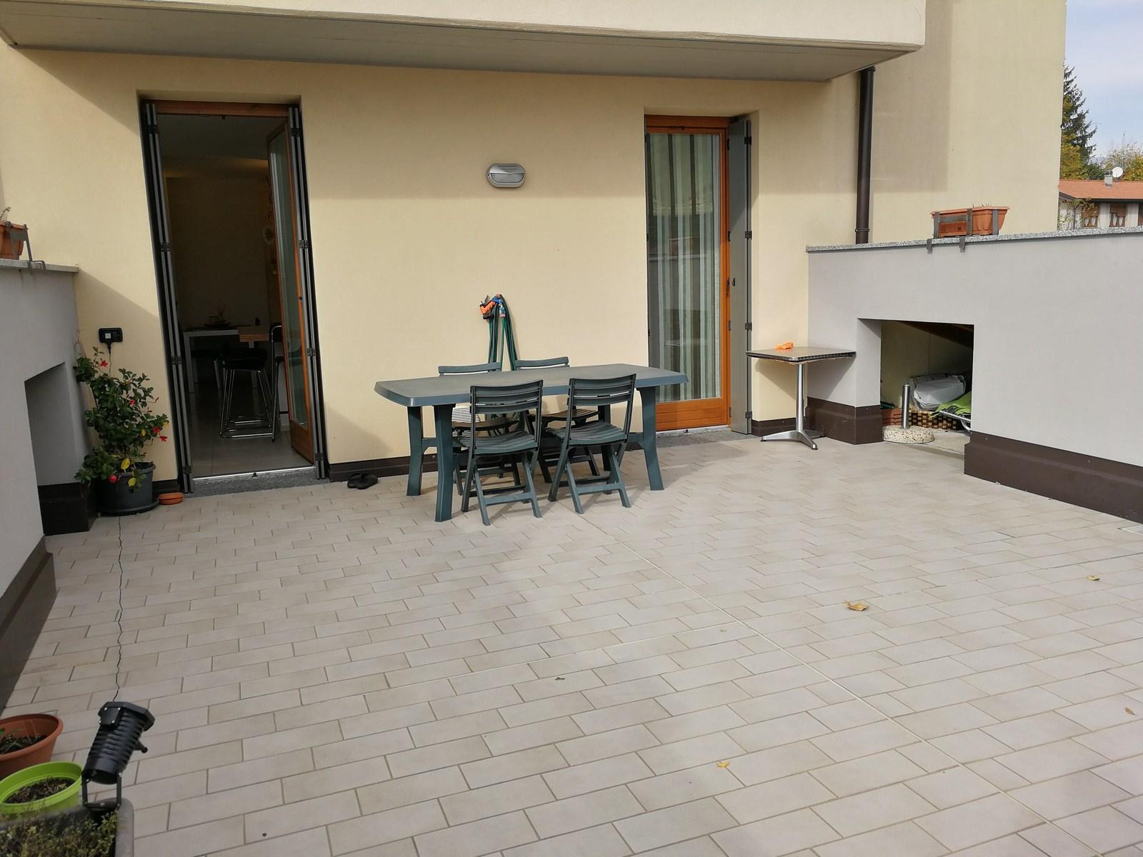 Appartamento in Vendita a Castello di Brianza