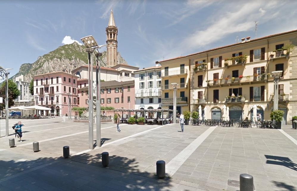 Negozio / Locale in vendita a Lecco, 9999 locali, prezzo € 500.000   CambioCasa.it