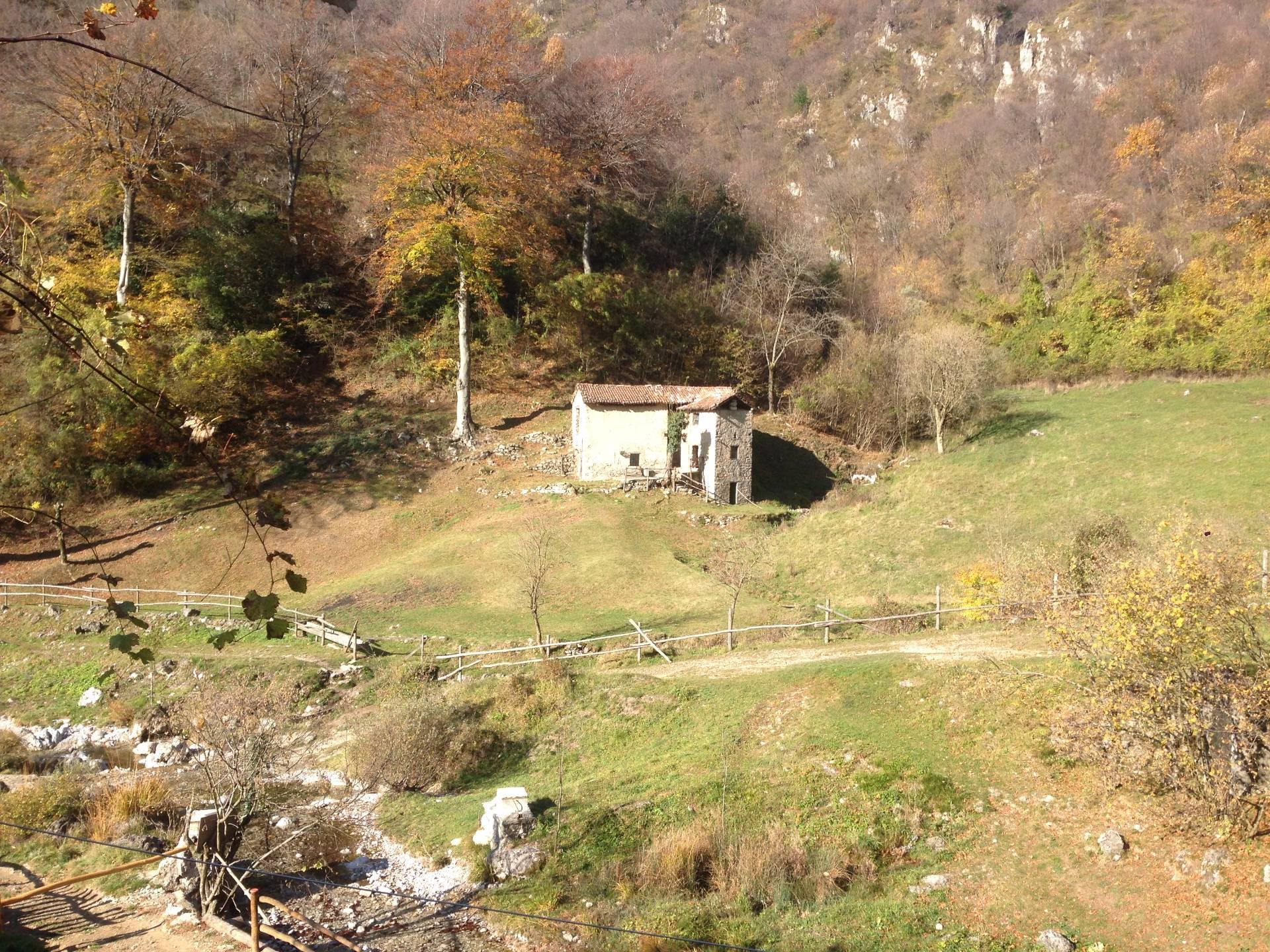 Rustico / Casale in vendita a Erve, 4 locali, prezzo € 75.000 | CambioCasa.it
