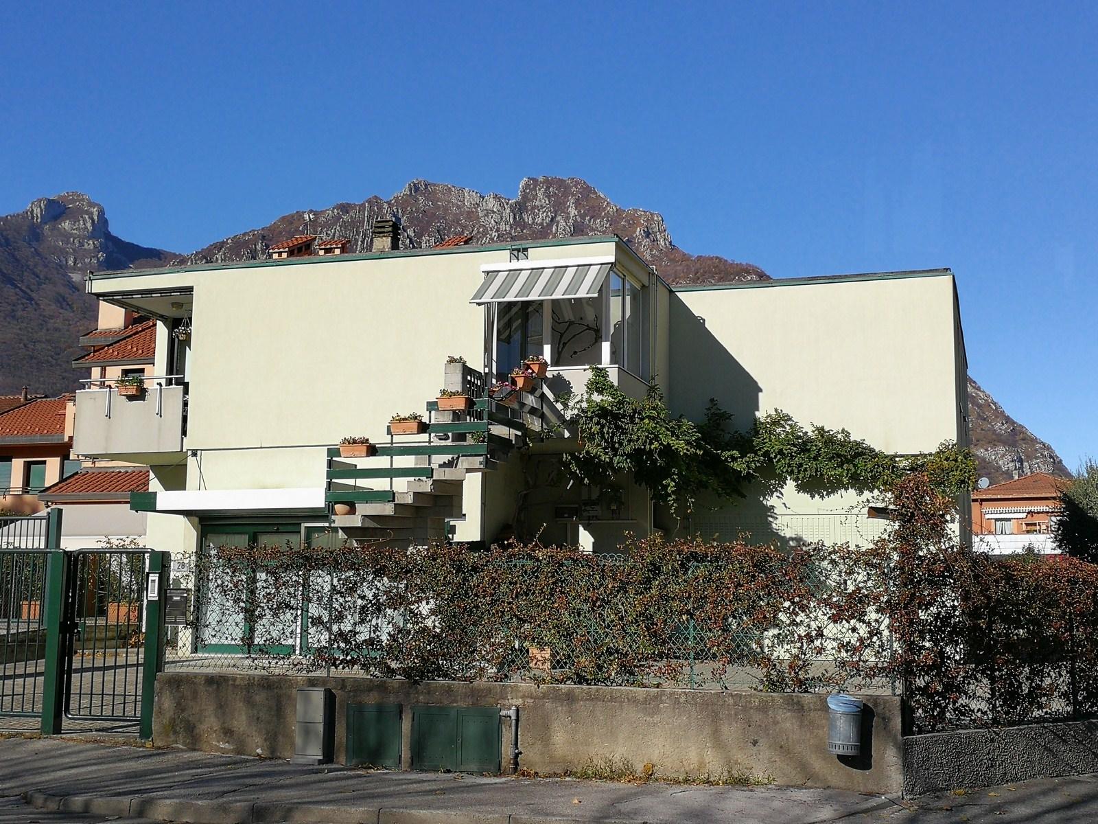 Villa in vendita a Malgrate, 4 locali, prezzo € 490.000 | CambioCasa.it
