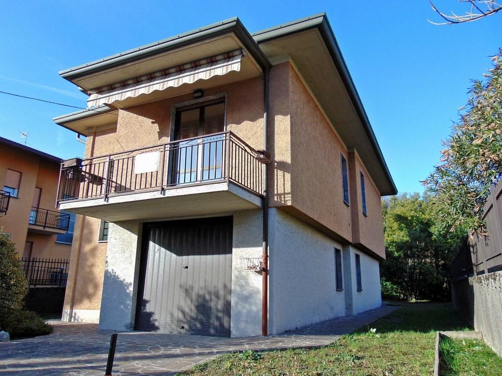 Villa in Vendita a Olginate