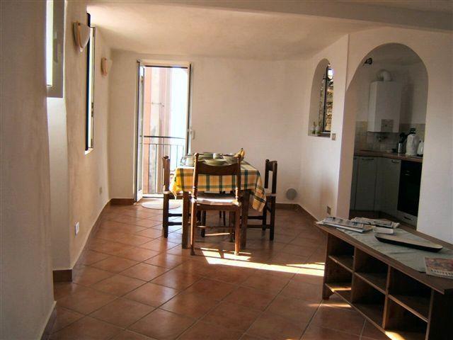 Appartamento in vendita a Perinaldo, 3 locali, prezzo € 60.000   Cambio Casa.it