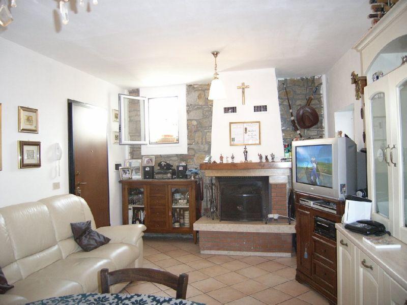 Appartamento in vendita a Perinaldo, 3 locali, prezzo € 160.000 | Cambio Casa.it