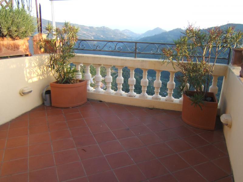 Appartamento in vendita a Perinaldo, 8 locali, prezzo € 245.000   Cambio Casa.it