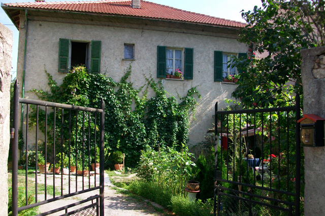 Soluzione Indipendente in vendita a Calizzano, 14 locali, prezzo € 300.000 | CambioCasa.it