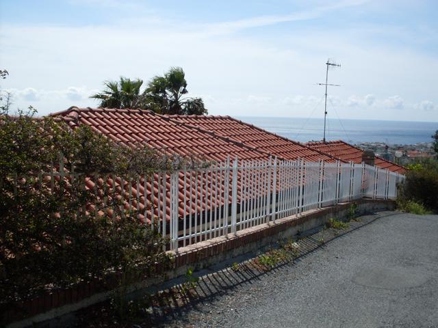 Attico / Mansarda in vendita a Alassio, 3 locali, prezzo € 365.000 | Cambio Casa.it