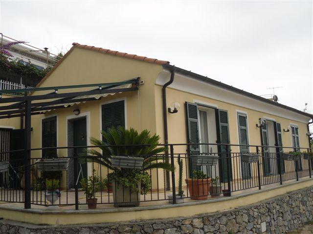 Villa in vendita a Boissano, 5 locali, prezzo € 700.000 | Cambio Casa.it