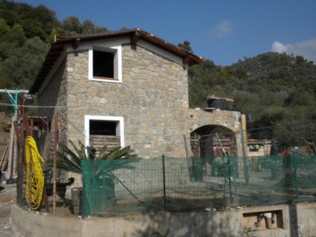 Soluzione Indipendente in vendita a Dolceacqua, 4 locali, prezzo € 310.000 | Cambio Casa.it