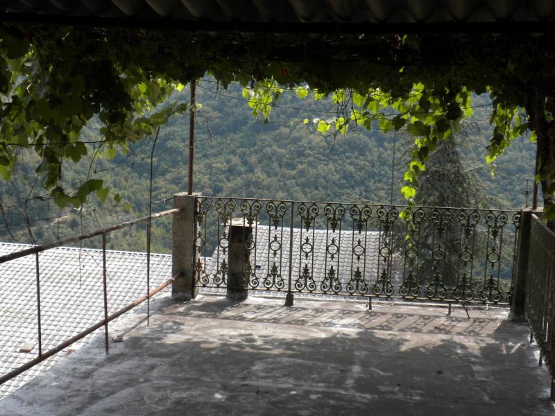 Soluzione Indipendente in vendita a Carpasio, 8 locali, prezzo € 120.000 | Cambio Casa.it