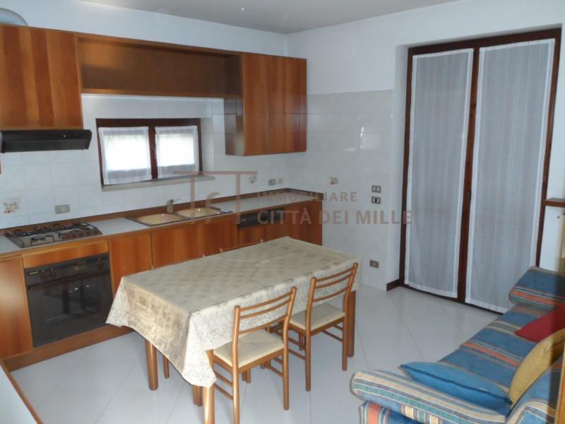 Villa in vendita a Seriate, 5 locali, prezzo € 350.000   Cambiocasa.it