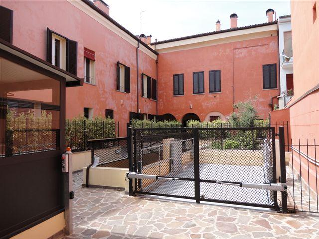Appartamento in vendita a Ferrara, 4 locali, zona Località: Centrostorico, prezzo € 335.000 | Cambio Casa.it