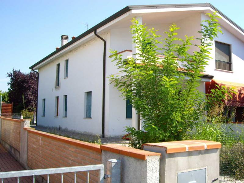 Soluzione Indipendente in vendita a Voghiera, 6 locali, zona Zona: Ducentola, prezzo € 190.000 | Cambio Casa.it