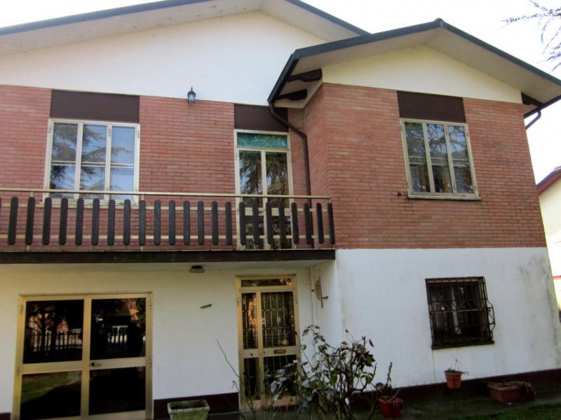 Soluzione Indipendente in vendita a Ro, 7 locali, zona Zona: Ruina, prezzo € 160.000 | Cambio Casa.it