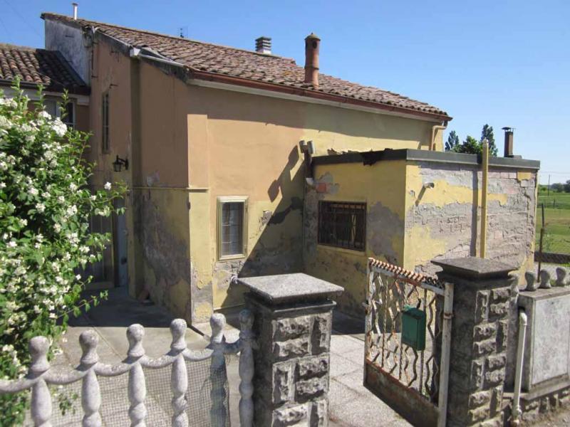 Soluzione Indipendente in vendita a Voghiera, 3 locali, zona Zona: Ducentola, prezzo € 30.000 | Cambio Casa.it