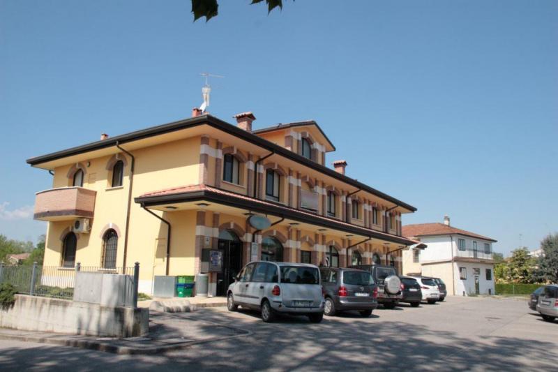 Negozio / Locale in vendita a Vigarano Mainarda, 9999 locali, zona Località: VigaranoPieve, prezzo € 204.000 | Cambio Casa.it