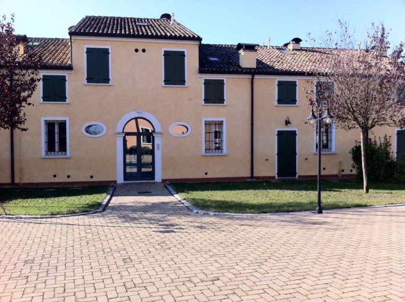5 locali in vendita a Ferrara