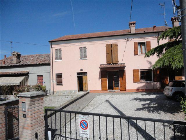 Soluzione Indipendente in vendita a Masi Torello, 6 locali, zona Località: MasiSanGiacomo, prezzo € 80.000 | Cambio Casa.it