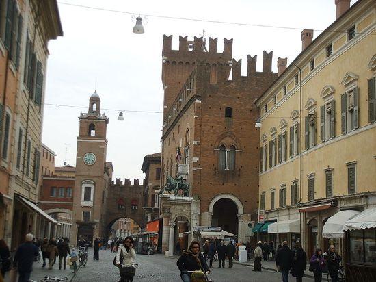 Negozio / Locale in affitto a Ferrara, 9999 locali, zona Località: Centrostorico, prezzo € 13.333 | Cambio Casa.it