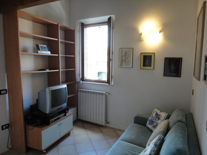 Bilocale Ferrara Via Ripagrande 4