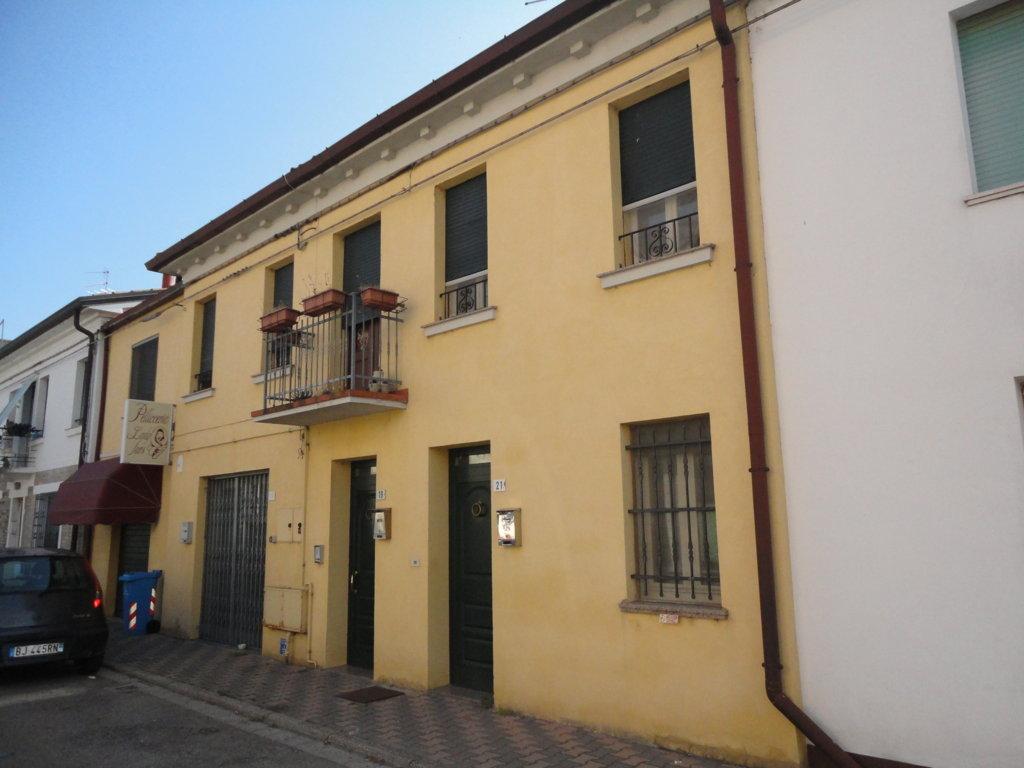 Soluzione Indipendente in vendita a Masi Torello, 3 locali, prezzo € 68.000 | CambioCasa.it