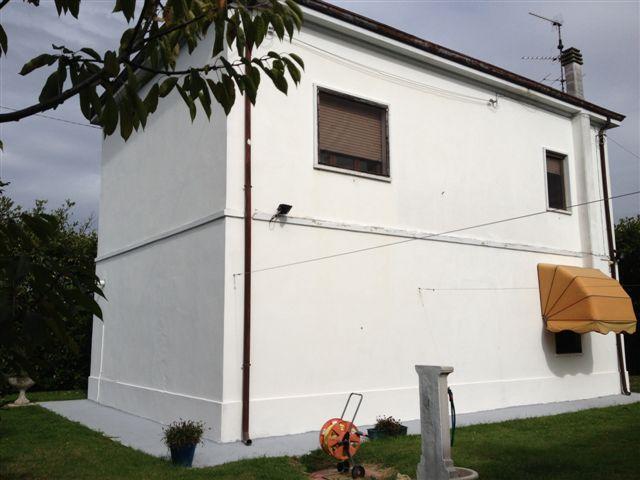 Soluzione Indipendente in vendita a Masi Torello, 4 locali, prezzo € 160.000 | Cambio Casa.it