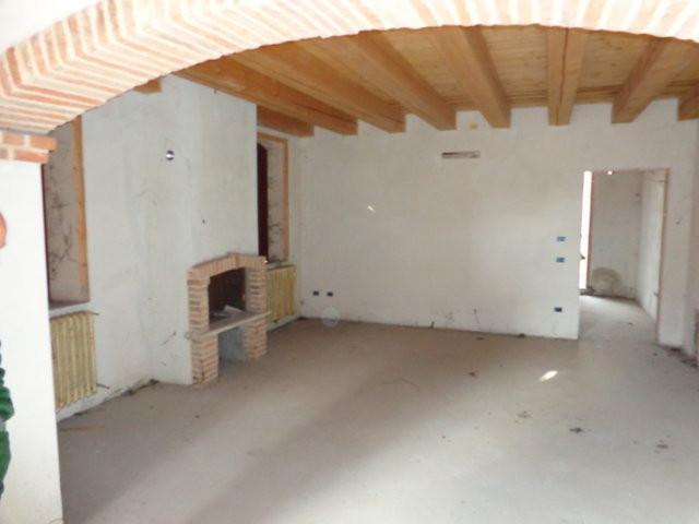 Soluzione Indipendente in vendita a Ficarolo, 5 locali, prezzo € 130.000 | Cambio Casa.it