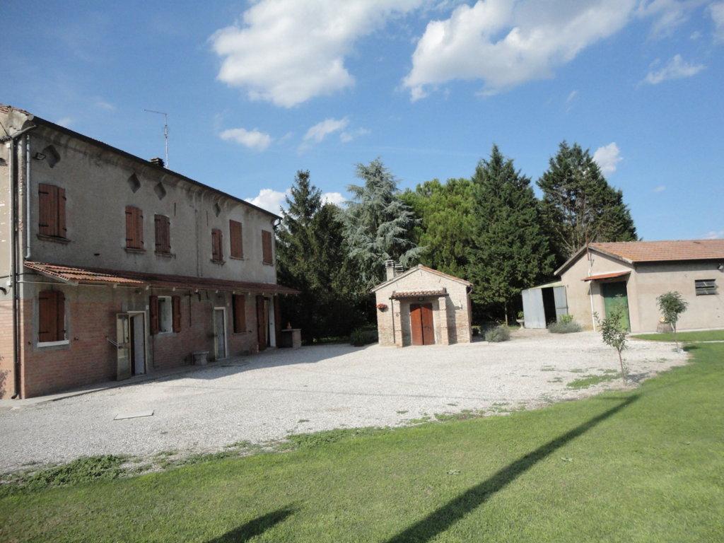 Soluzione Indipendente in vendita a Ferrara, 4 locali, zona Zona: Monestirolo, prezzo € 190.000 | Cambio Casa.it