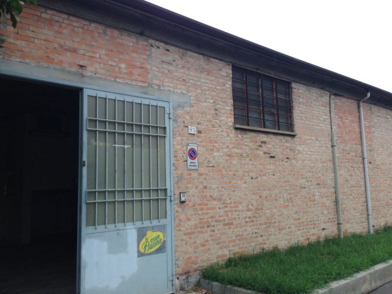 Capannone in Vendita a Ferrara