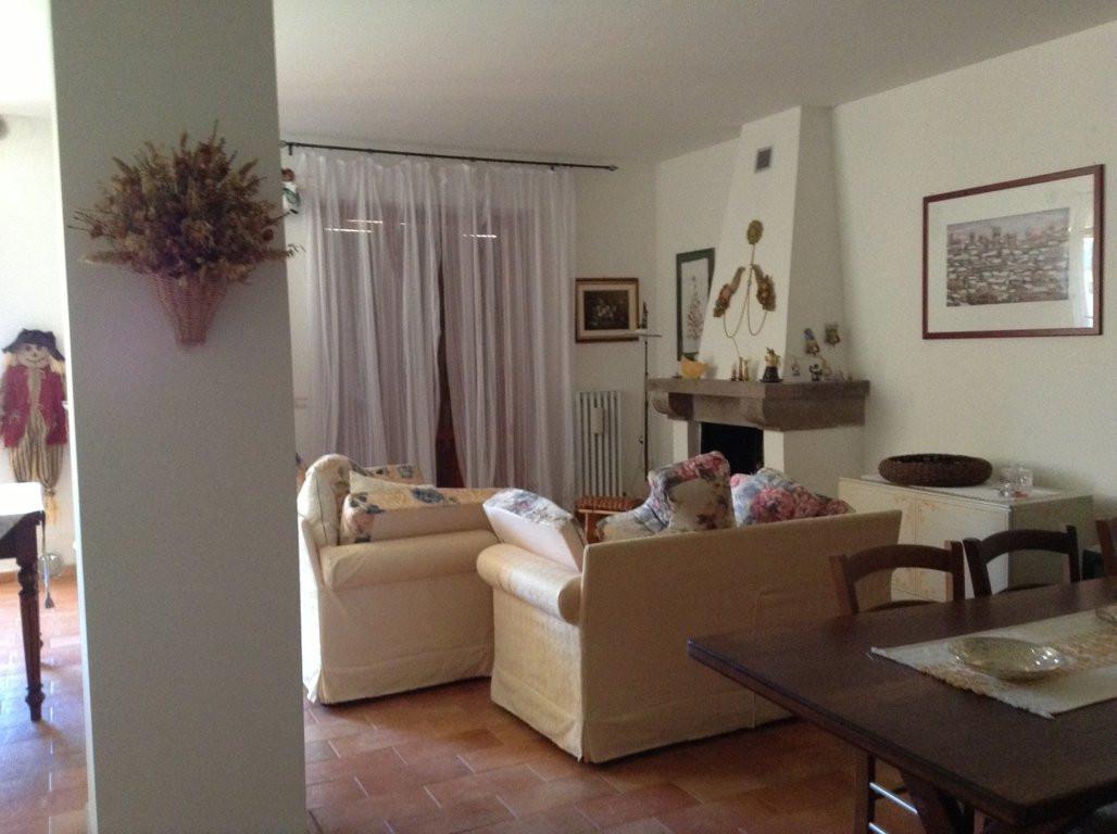 Appartamento in vendita a Sassoferrato, 3 locali, prezzo € 100.000 | Cambio Casa.it