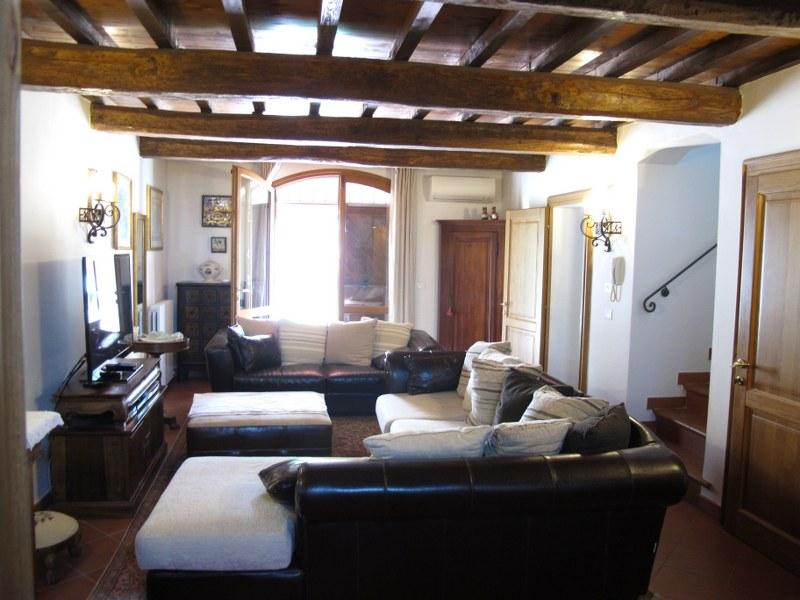 Soluzione Indipendente in vendita a Ferrara, 6 locali, zona Località: Centrostorico, prezzo € 550.000 | Cambio Casa.it