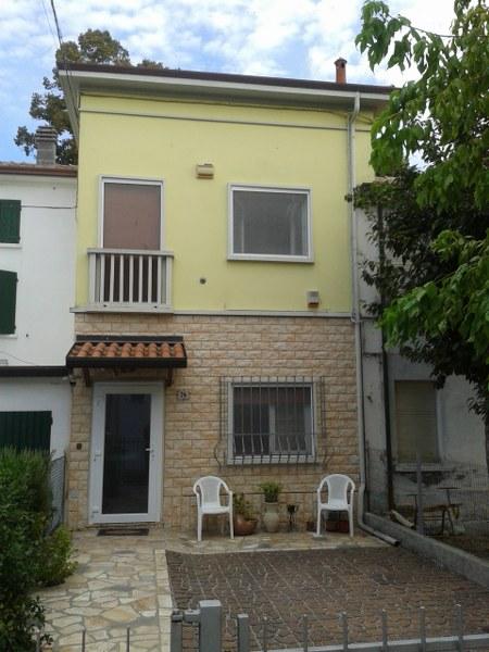 Soluzione Indipendente in vendita a Ostellato, 4 locali, prezzo € 87.000 | Cambio Casa.it