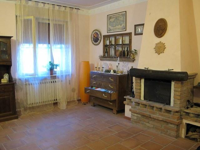 Soluzione Indipendente in vendita a Ferrara, 4 locali, zona Zona: Ravalle, prezzo € 113.000   Cambio Casa.it