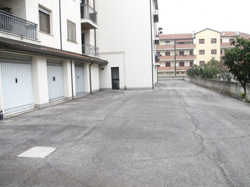 Bilocale Ferrara Via Dell' Agrifoglio 10