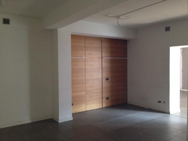 Negozio / Locale in affitto a Ferrara, 9999 locali, zona Località: Centrostorico, prezzo € 2.000 | Cambio Casa.it