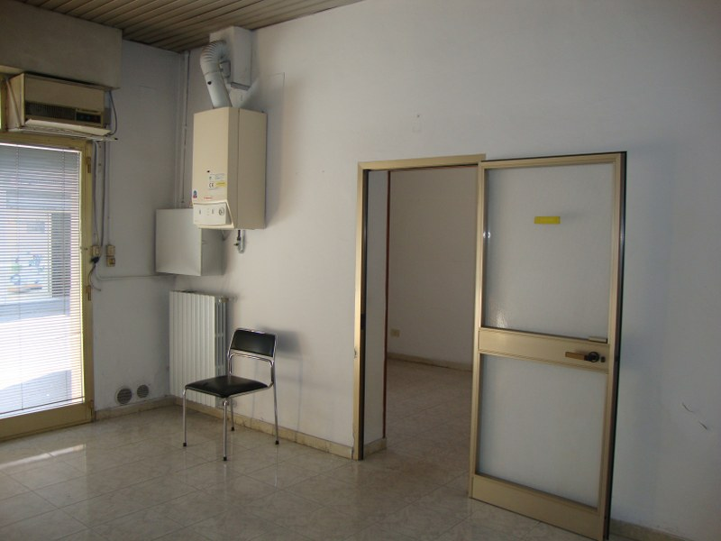 Negozio / Locale in affitto a Ferrara, 9999 locali, zona Località: Centrostorico, prezzo € 450 | Cambio Casa.it