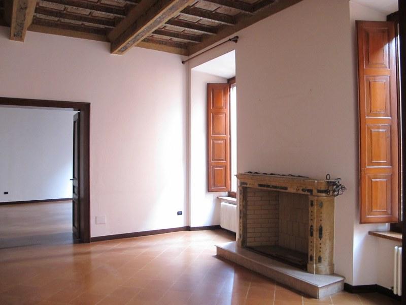 Ufficio / Studio in affitto a Ferrara, 9999 locali, zona Località: Centrostorico, prezzo € 2.500 | Cambio Casa.it