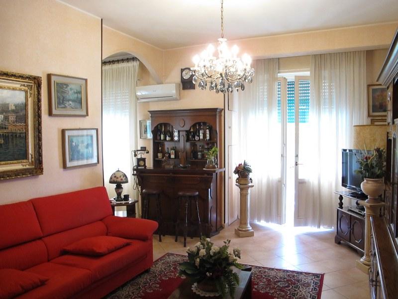 Appartamento in vendita a Ferrara, 3 locali, zona Località: FuoriMura-ZonaNord-Ovest, prezzo € 120.000 | Cambio Casa.it