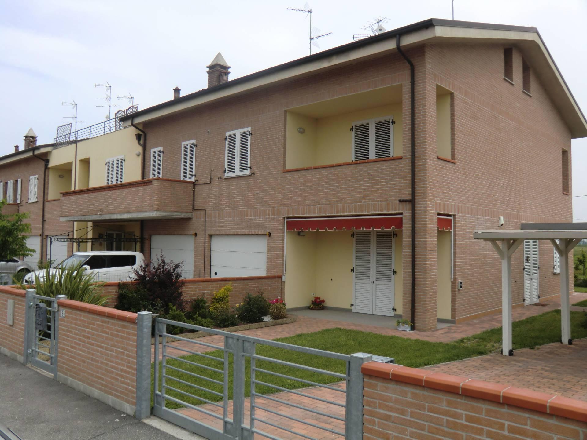 Appartamento in affitto a Poggio Renatico, 2 locali, zona Località: MadonnaBoschi, prezzo € 590 | Cambio Casa.it