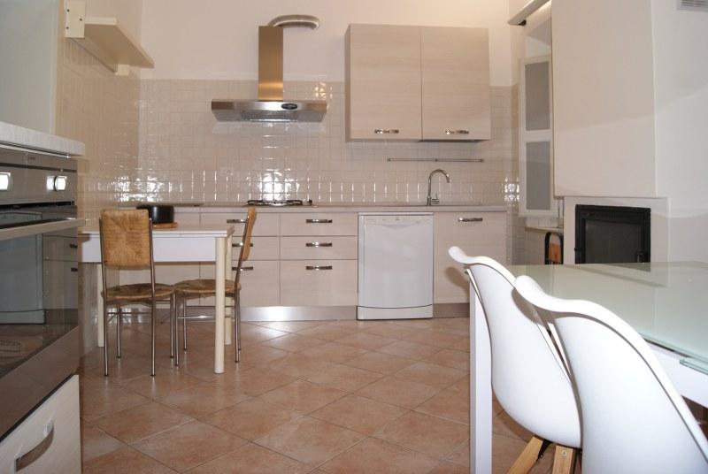 Appartamento in affitto a Ferrara, 4 locali, zona Località: Centrostorico, prezzo € 1.000 | Cambio Casa.it
