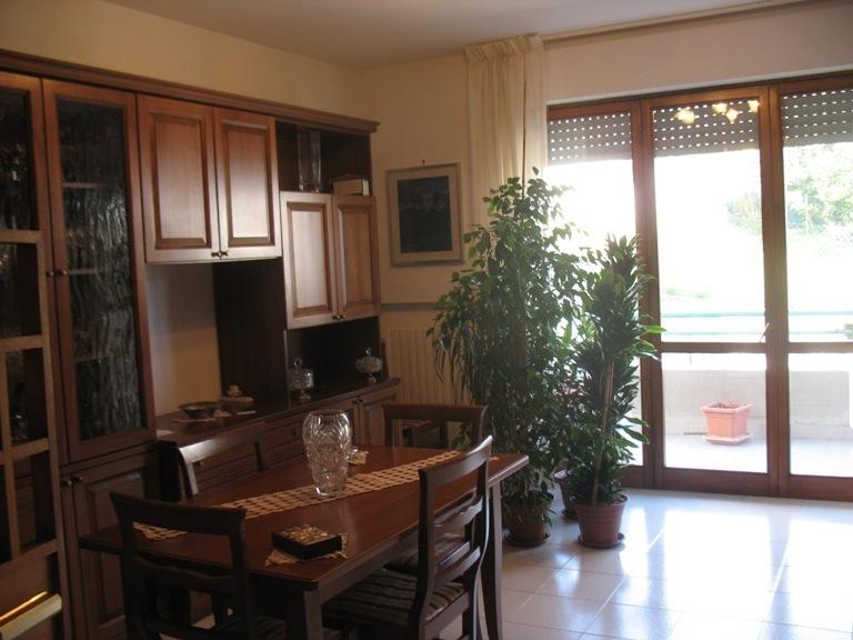 Appartamento in vendita a Spoltore, 3 locali, prezzo € 108.000 | Cambio Casa.it