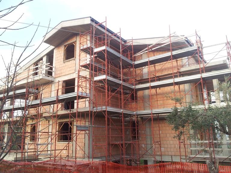 Appartamento in vendita a Spoltore, 12 locali, prezzo € 400.000 | Cambio Casa.it