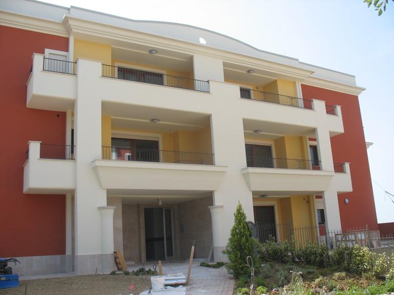 Appartamento in vendita a Spoltore, 4 locali, zona Località: CENTRO, prezzo € 151.000   Cambio Casa.it