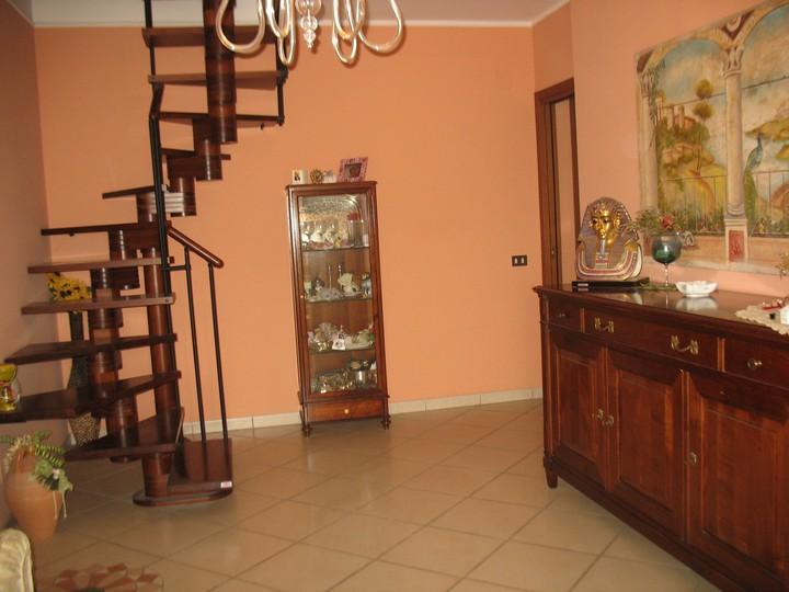 Appartamento in vendita a Spoltore, 6 locali, zona Località: S.aTeresa, prezzo € 190.000 | CambioCasa.it