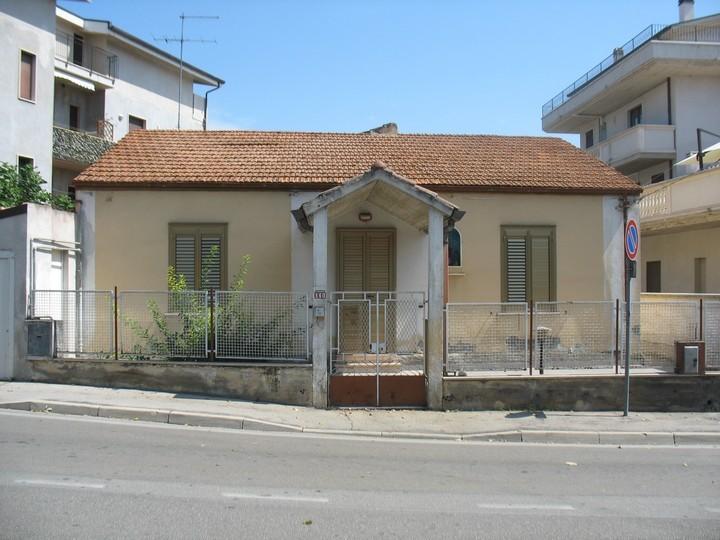 Soluzione Indipendente in vendita a Pescara, 5 locali, zona Località: ZonaColli, prezzo € 190.000 | Cambio Casa.it