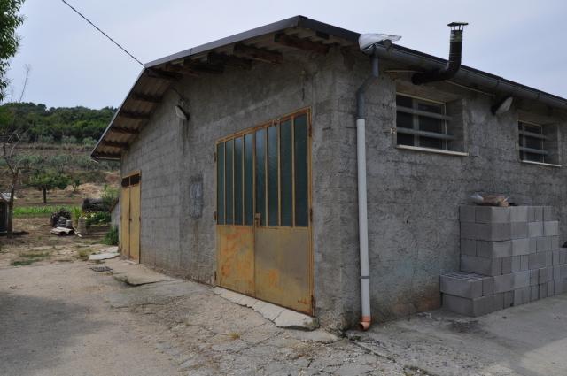 Capannone in vendita a Spoltore, 9999 locali, zona Località: CENTRO, prezzo € 90.000 | Cambio Casa.it