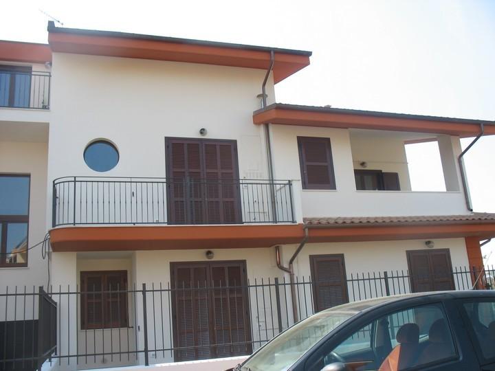 Appartamento in affitto a Cepagatti, 3 locali, zona Zona: Villanova, prezzo € 500 | Cambio Casa.it