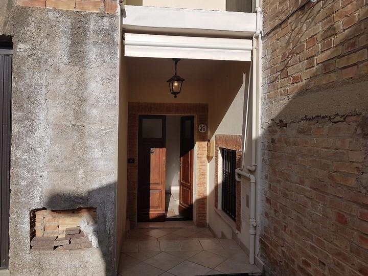 Soluzione Semindipendente in affitto a Spoltore, 4 locali, zona Località: Caprara, prezzo € 400 | Cambio Casa.it
